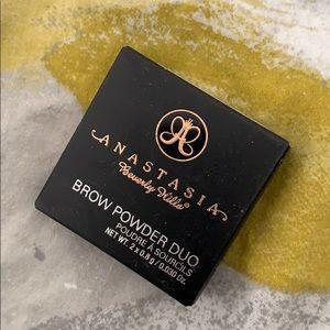 Anastasia Dark Brown brow powder NIB NWT